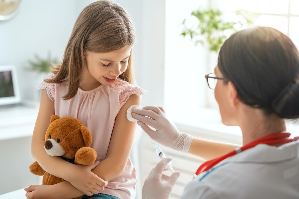 Vacunas recomendadas para niños, desde el nacimiento hasta los 6 años de edad